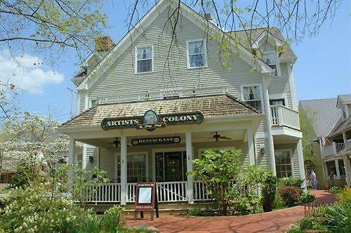 Artists Colony Inn & Restaurant Nashville, IN
